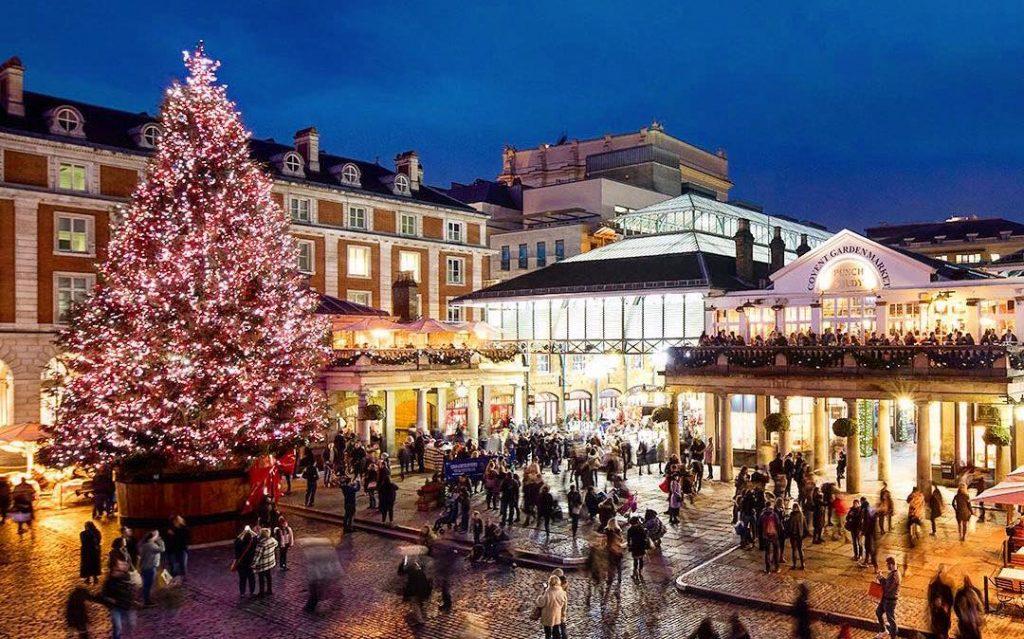 Imagen de Covent Garden decorado de Navidad. Fuente Secret London.
